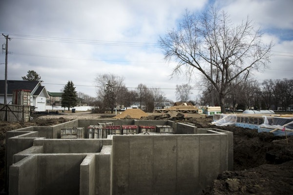 Last month metro-area builders were issued enough permits to build 440 single-family houses, making it the best January in a dozen years, according to
