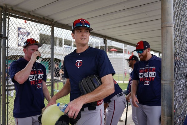Minnesota Twins pitcher Kyle Gibson (44) made his way from the practice field to Hammond Stadium Thursday.