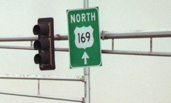 Sign directing drivers toward northbound Hwy. 169