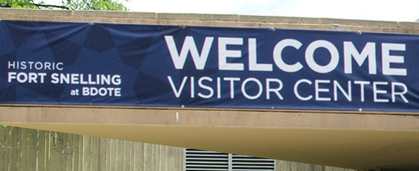 The welcome sign at Fort Snelling.