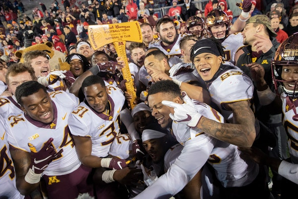 Poll: How many football games will the Gophers win this season?