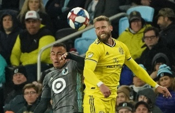 Minnesota United midfielder Miguel Ibarra, left, moved from a midfield spot on the right side to left back for Saturday's 1-0 home victory over Colu