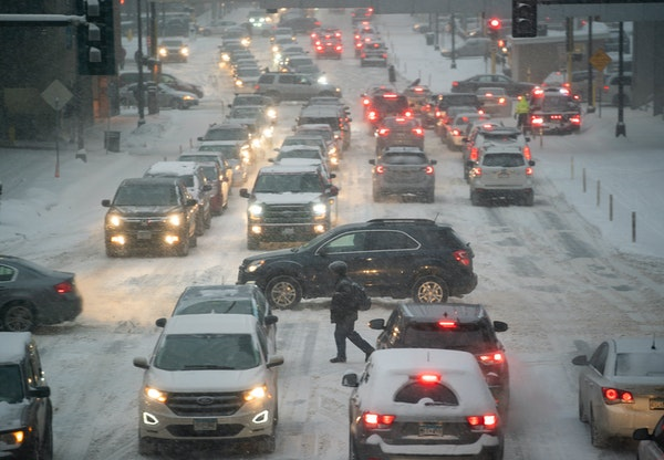 How much are electric vehicles affected by Minnesota's extreme cold?