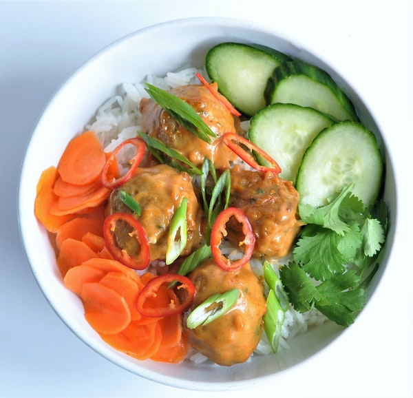 Recipe: Thai-Inspired Pork and Peanut Meatball Rice Bowls