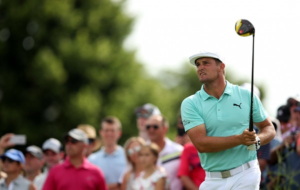 New leader Bryson DeChambeau recorded as many birdies (nine) as pars en route to a 9-under 62 at the 3M Open.