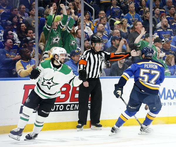 Mats Zuccarello celebrated a goal against the Blues on May 7.