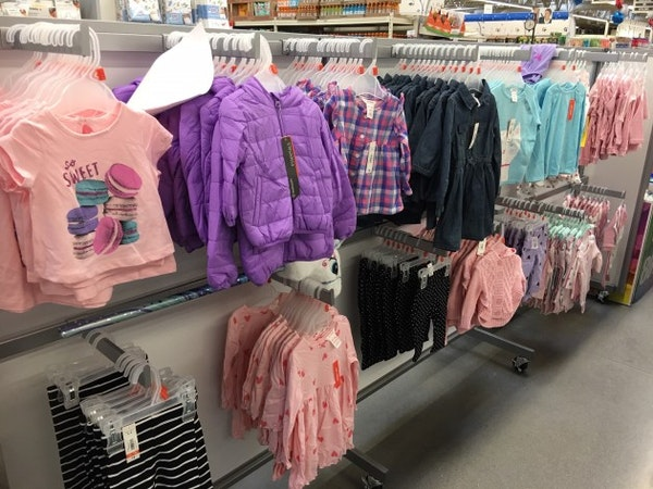 Hy-Vee selling clothes again in Twin Cities, dropping one big brand for another