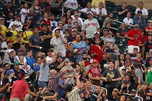 First Twins pennant race of Twitter era a wild ride -- and new normal