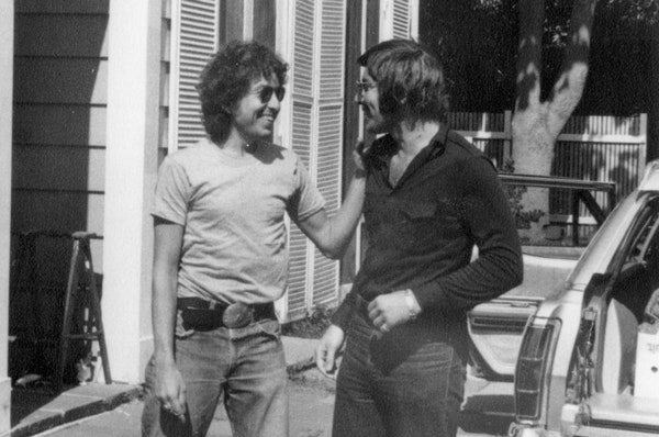 Bob Dylan and Louie Kemp hanging out in 1972.
