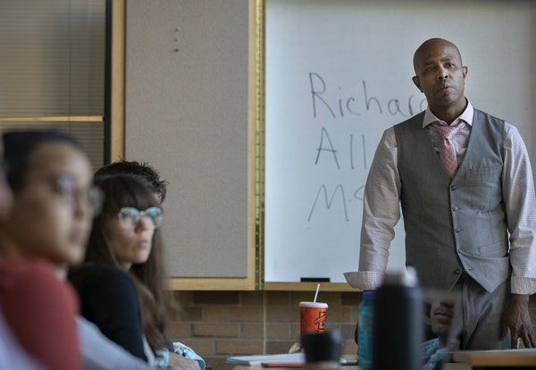 Richard McLemore spoke to law students about serving time in prison for murder before turning his life around. He now runs his own leadership training