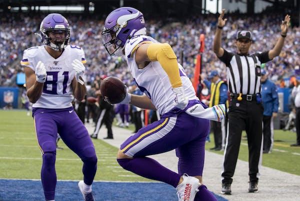 Minnesota Vikings receiver Adam Thielen caught a 15-yrds touchdown pass for a touchdown in the second quarter.