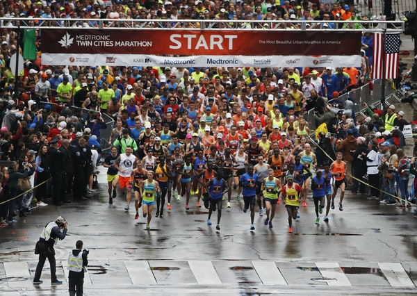 The elite runners were off and running in the Twin Cities Marathon on Sunday, Oct. 1, 2017.