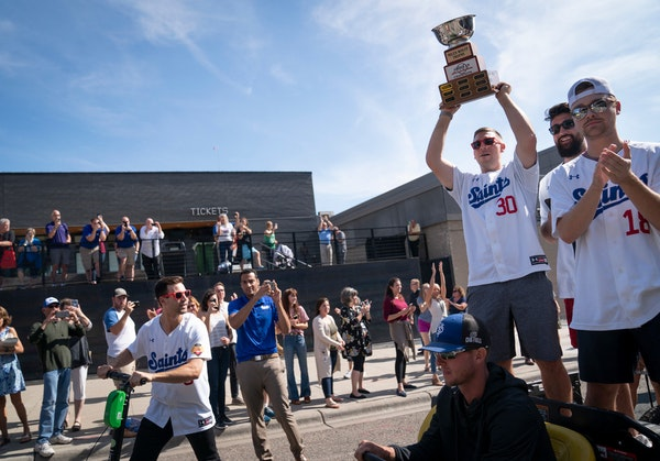 St. Paul Saints celebrate their title with a (one-minute) parade