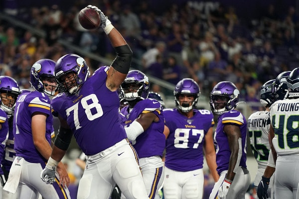 With Kline out, Dakota Dozier takes over as Vikings right guard