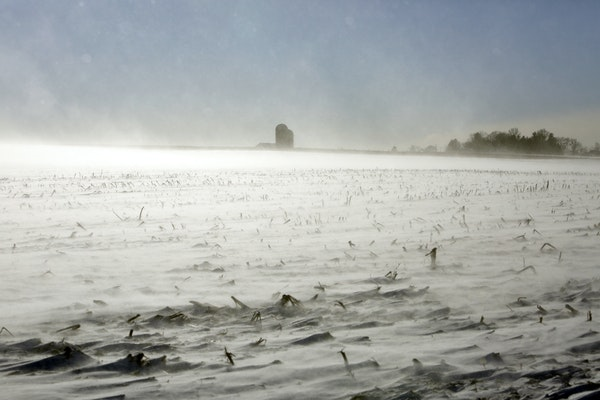 Snow and frost will delay harvest for Minnesota farmers, capping a year of miserable weather that was shaped by heavy spring rains and late planting.