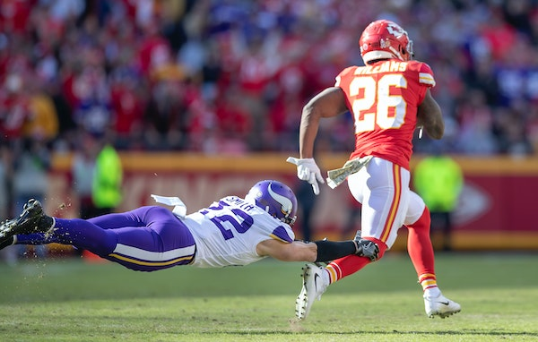 Chiefs running back Damien Williams broke away from Vikings free safety Harrison Smith's grasp as he ran for a 91-yard touchdown in the third quarter.