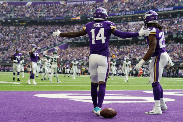 Minnesota Vikings wide receiver Stefon Diggs (14) reacted after scoring a touchdown early in the second quarter.