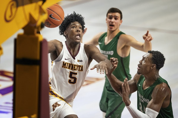 Gophers guard Marcus Carr drove for a shot in Tuesday's 35-point victory over Cleveland State.