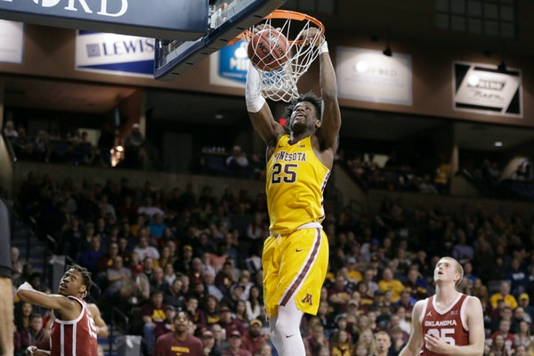 Gophers center Daniel Oturu scored 15 points against Oklahoma in Sioux Falls, S.D., on Saturday, but the Gophers need to do a better job of working th
