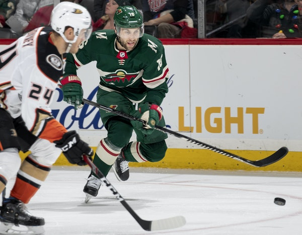 Jason Zucker of the Wild looked for a shot on Tuesday against Anaheim.