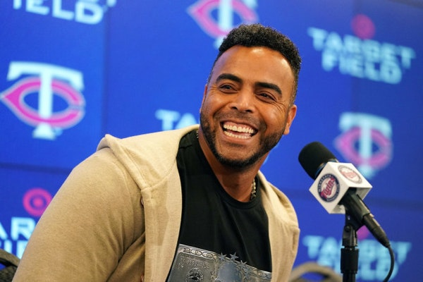 Cruz wins Edgar Martinez Award as 2019's top designated hitter