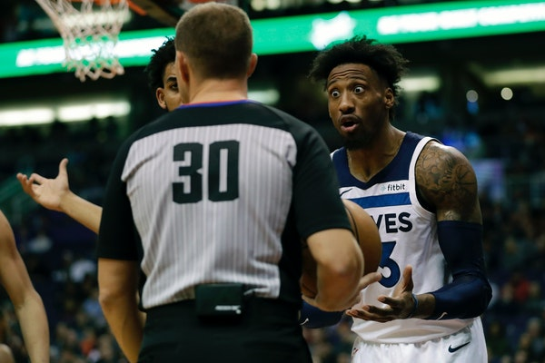Timberwolves forward Robert Covington argued a call with referee John Goble during the second half Monday night in Phoenix.