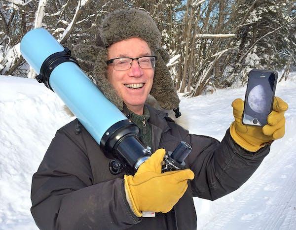 Bob King of Duluth, a former journalist, writes a popular stargazing blog.