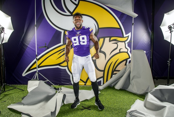 Danielle Hunter struck a pose while Vikings portraits were being shot in August.