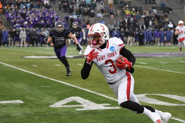 St. John's wide receiver Ravi Alston looked for room to run during Saturday's NCAA Division III semifinal at Wisconsin-Whitewater.