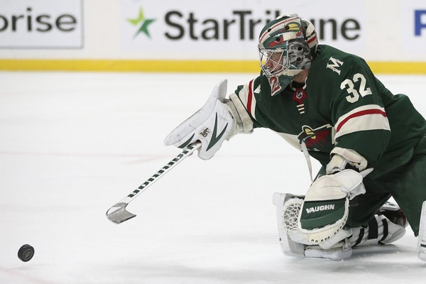 Wild goalie Alex Stalock blocked a shot attempt by the Flyers in the second period Saturday.