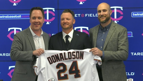 Twins sign third baseman Josh Donaldson