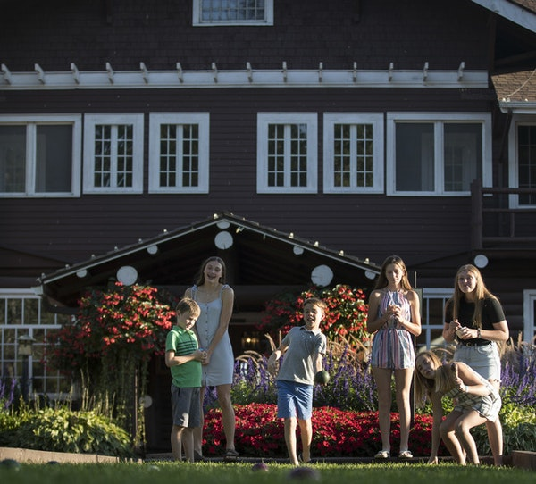 The Grand View Lodge in Nisswa, Minn., has added a boutique hotel to its traditional cabin and old-style lodge rooms.