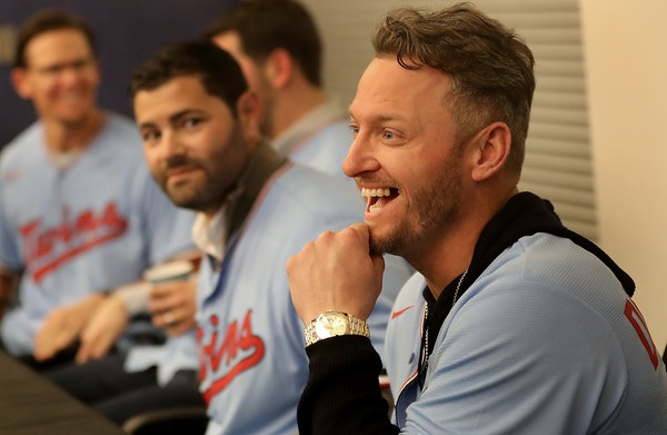 Newly signed Twins slugger Josh Donaldson interacted with fans while waiting to sign autographs during TwinsFest.
