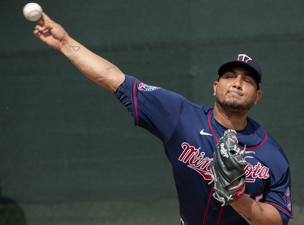 Chacin's first start for Twins is impressive