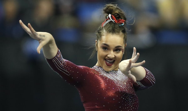 Oklahoma's Maggie Nichols competed in the floor exercise during the 2018 NCAA championships in St. Louis.