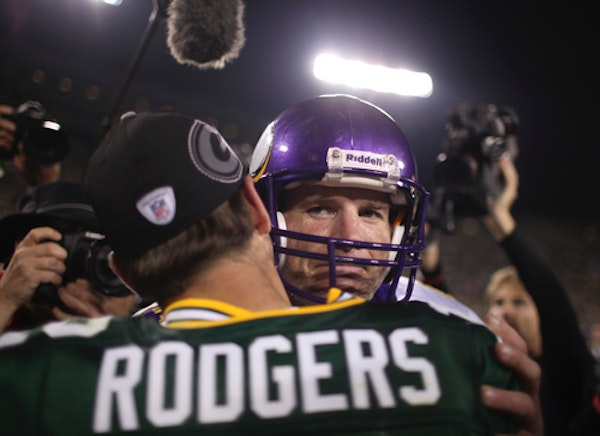 Look who's suddenly become an Aaron Rodgers expert. It's Brett Favre