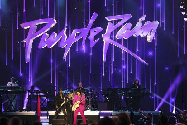 """Mavis Staples teams with guitarist Wendy Melvoin and the Revolution for """"Purple Rain"""" during """"Let's Go Crazy:The Grammy Salute to Prince.�"""