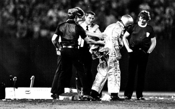 Reusse: When 'Captain Dynamite' blew himself up at Met Stadium