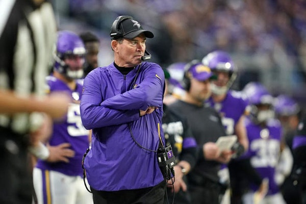 Vikings finalize three-year contract extension for Zimmer
