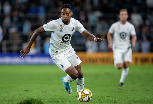 """Minnesota United striker Mason Toye (shown in a 2019 match vs. Sporting Kansas City) said the Loons are preparing to beat the Orlando heat in the """"MLS"""