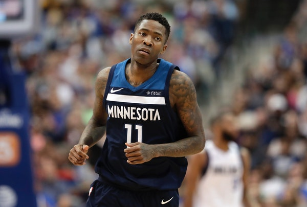 Timberwolves veteran guard Jamal Crawford jogged to the bench during Friday's game in Dallas.