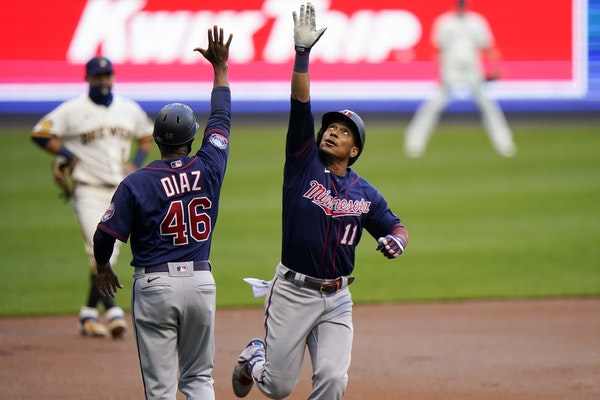 Jorge Polanco celebrated a home run on Tuesday in Milwaukee.