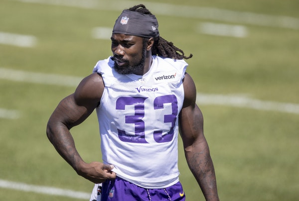 The Vikings' Dalvin Cook is practicing without a new contract.