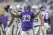 Souhan: Cook's excellence has made him the face of the Vikings
