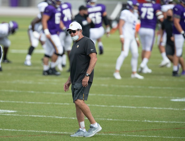 """Dom Capers has been called upon by Vikings head coach Mike Zimmer to add """"different ideas to affect the quarterback."""""""