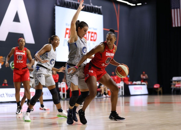 The Lynx's Bridget Carleton guarded Atlanta's Betnijah Laney on Monday, a day when Lynx coach Cheryl Reeve was unsatisfied by her team's defense