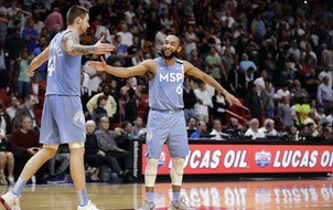 Lineup adjustment helps lead to go-ahead basket for McLaughlin