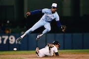Reusse: Tony Fernandez' influence ongoing in 'Cradle of Shortstops'