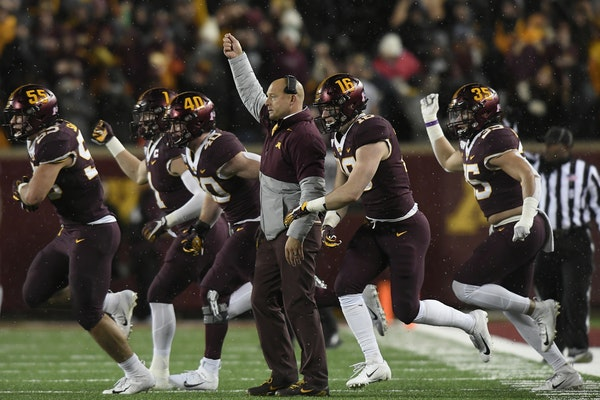 Gophers coach P.J. Fleck and his players reacted during last season's win over Nebraska.