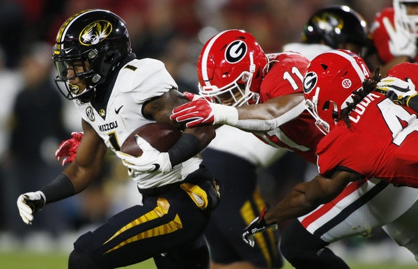 Linebacker Jermaine Johnson (11) recorded only 20 tackles last season, his first at Georgia after transferring from junior college.